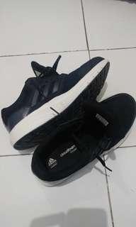 Sepatu ADIDAS Black size 42