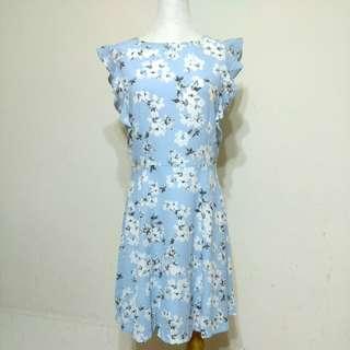 🚚 【轉售EYESCREAM】水藍色碎花洋裝