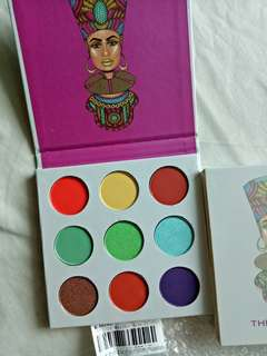 🌹the magic by juvians eyeshadow palette