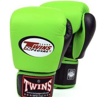 (Clearance Sales) Twins Special Muay Thai Boxing Gloves