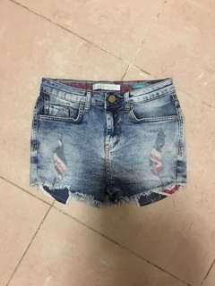 全新Bershka牛仔短褲 Women Shorts