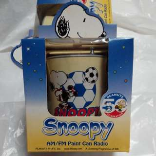 Snoopy AM/FM Paint Can Radio