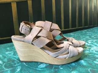 Zara leather Wedge Size 7