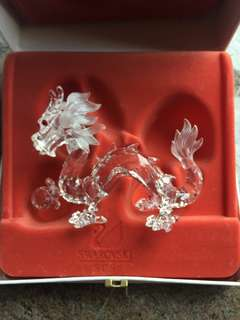 "Swarovski 水晶珍藏 1996年至1998年版 ""動物的神話 "" 1) 1996 年 - 獨角馬 (La Licorne) 2) 1997 年 - 龍 (Le Dragon) 3) 1998 年 - 飛馬 (Pecase)"
