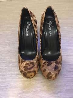 Venilla Suite leopard print hair heels
