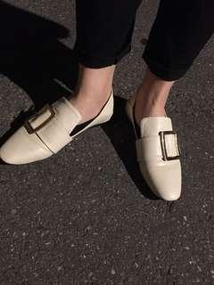 🚚 米色懶人踩腳鞋