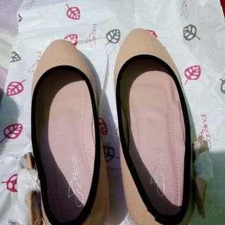 New sepatu wanita cardinal uk.35