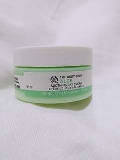 The body shop aloe soothing day cream for sensitive skin