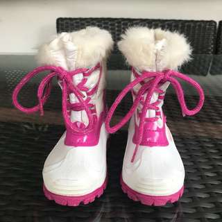 Toddler snow boots size 22 (UK 5.5, US 6.5)