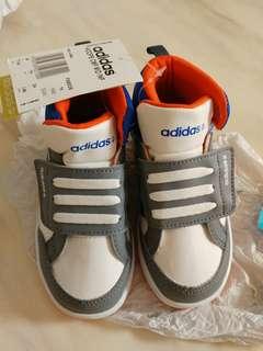 Adidas 男童鞋