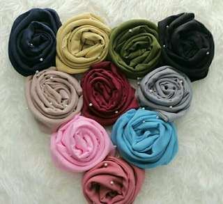 kerudung K4 pearly starr