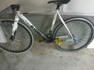 Fixie wheelset pedals n saddle
