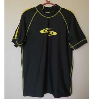 Short sleeved rashguard
