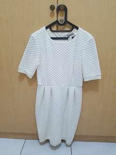 Whitey dress
