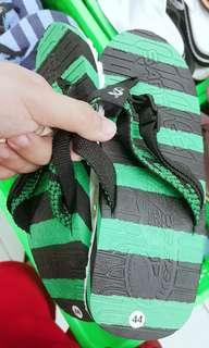 Black Green Sandugo