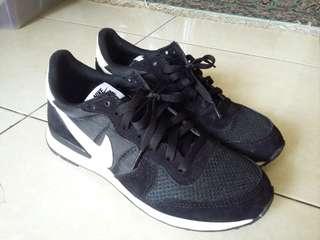 Sepatu Nike size 41