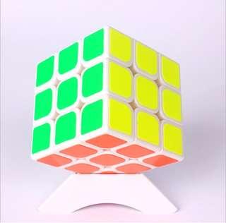 益智玩具扭計骰