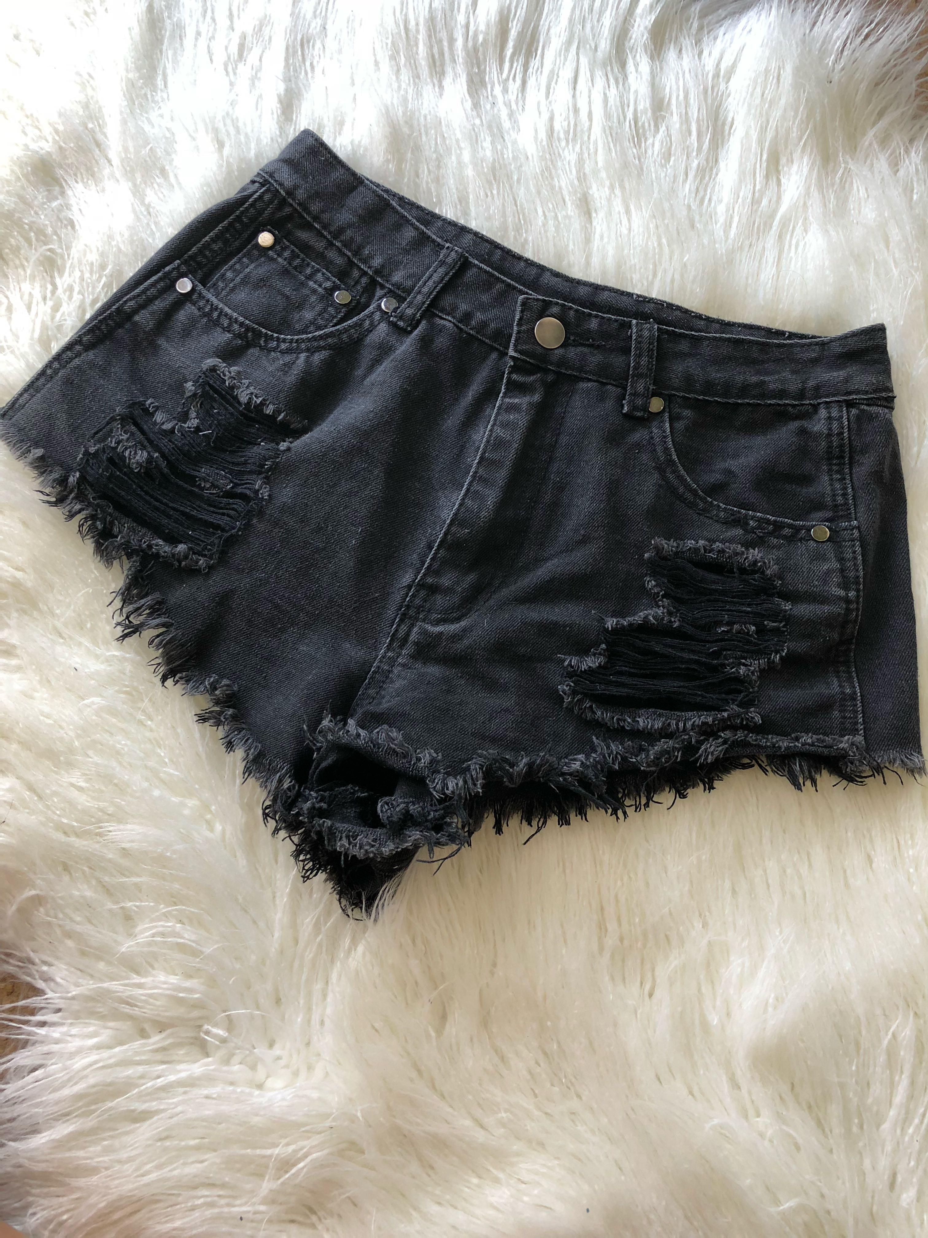💕 Neon Heart - Black Shorts