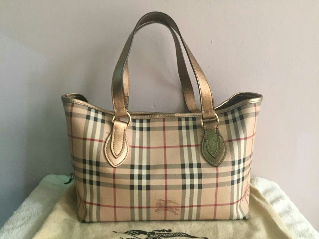 fbc8a6e415 AUTHENTIC BURBERRY LARGE LEATHER TOTE, Luxury, Bags & Wallets on ...