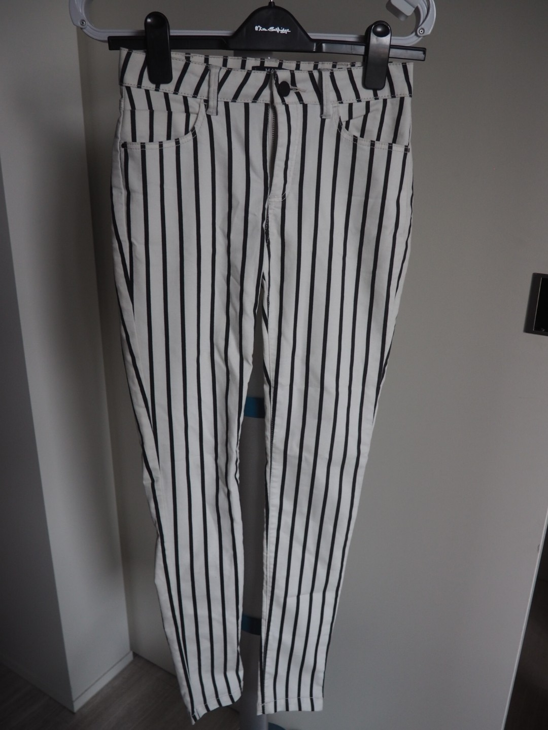 Black and white stripes skinny jeans