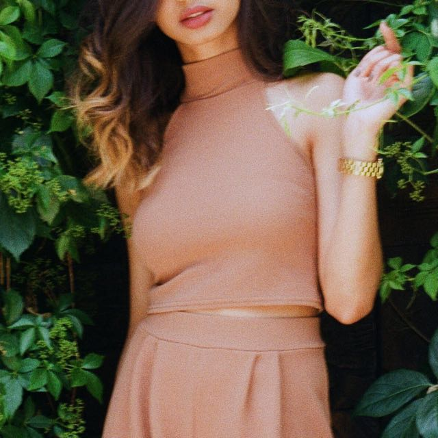 Boohoo Camel / tan mock neck crop top