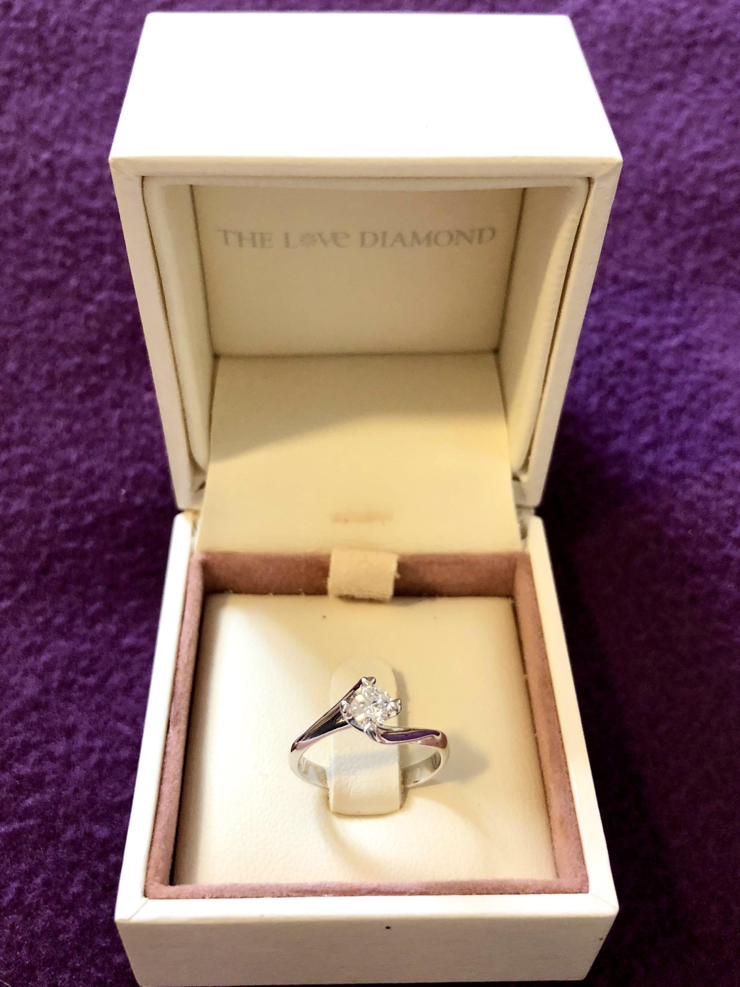 Brand New Genuine The Love Diamond Ring 028 Carat Size 8