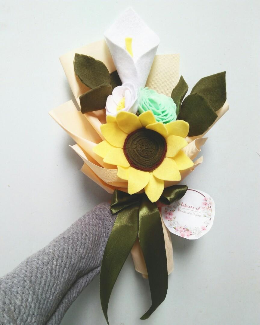 Buket Bunga Flanel Desain Kerajinan Tangan Barang Aksesoris Kerajinan Di Carousell