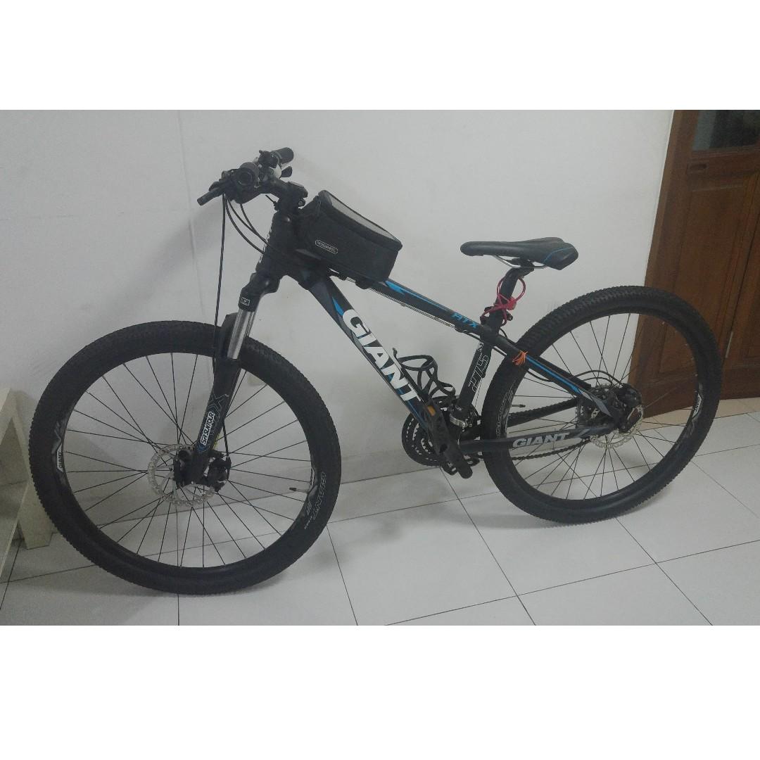 Giant Mountain Bike 27