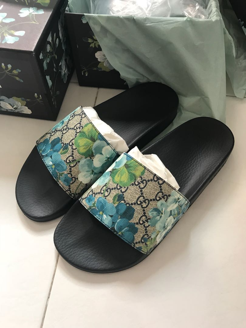 f8bb644d1c3 Gucci bloom slides