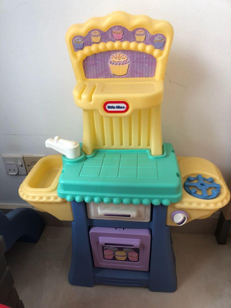 Little Tikes Kitchen, Babies & Kids, Toys & Walkers on Carousell
