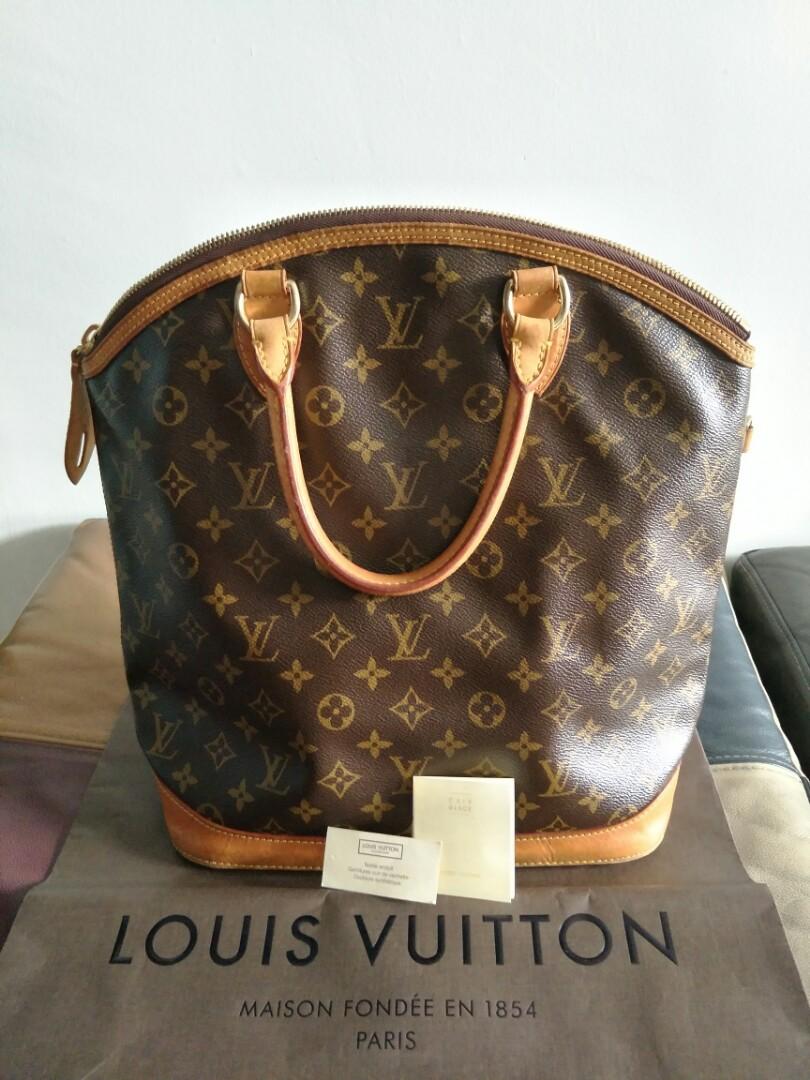 37328e095a9f Louis Vuitton Authentic lady office bag.