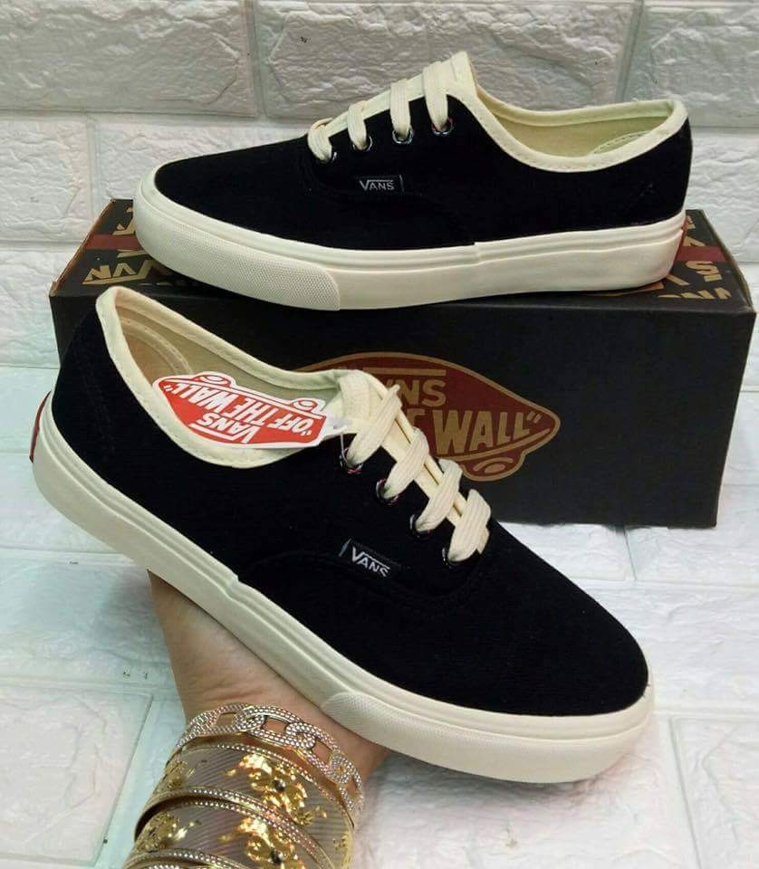 079727415c Vans Source · MAY 18 VANS COUPLE SHOES DJC Women s Fashion Shoes on  Carousell