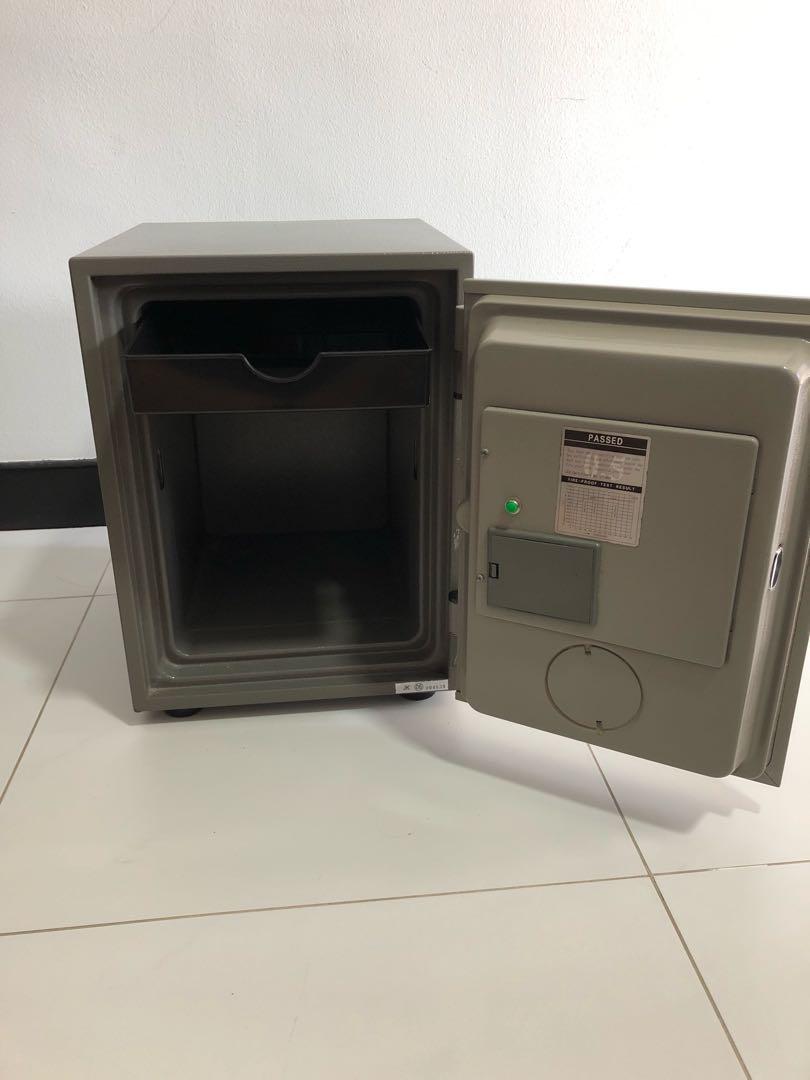 MORRIES FIRE RESISTANT DIGITAL / KEY SAFE BOX - MS16TD