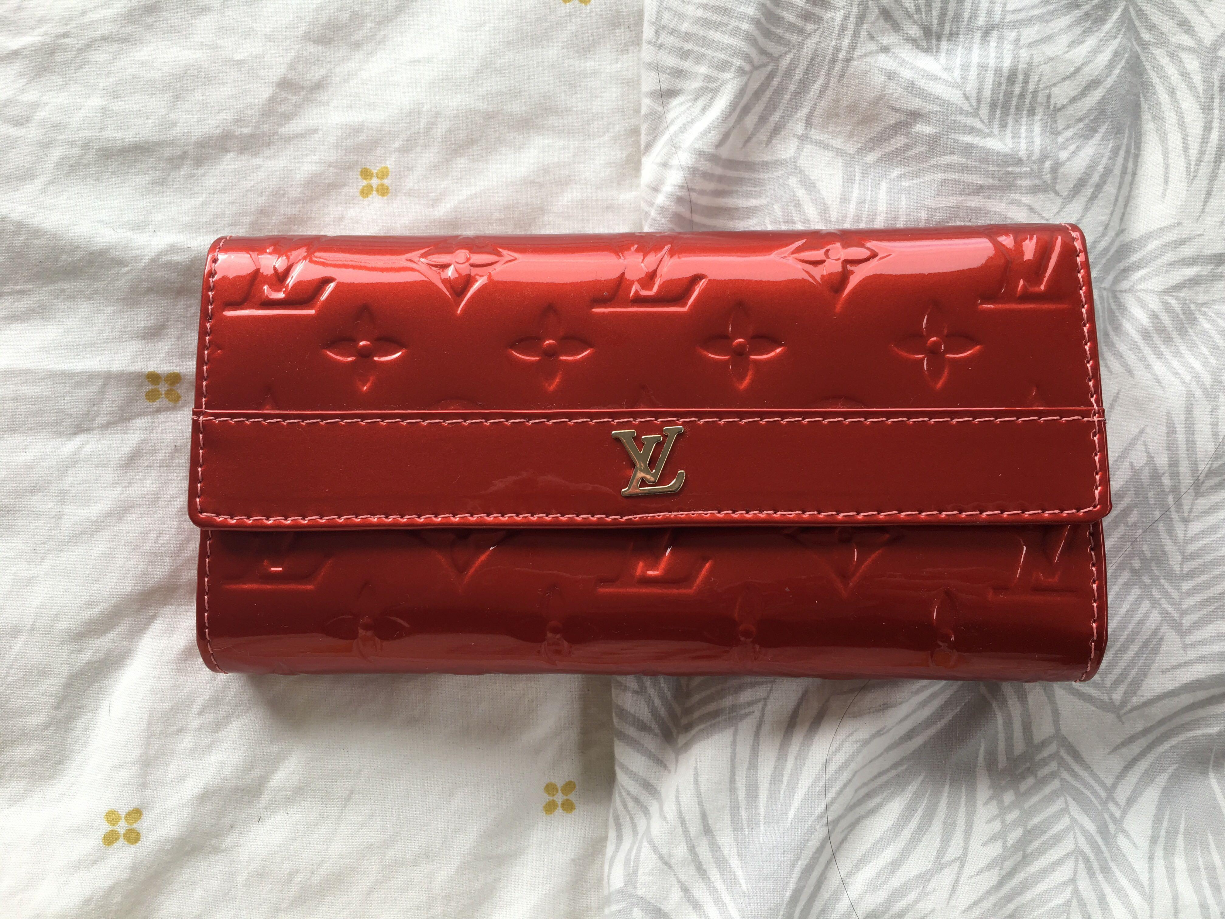 New LV Sarah Wallet Replica