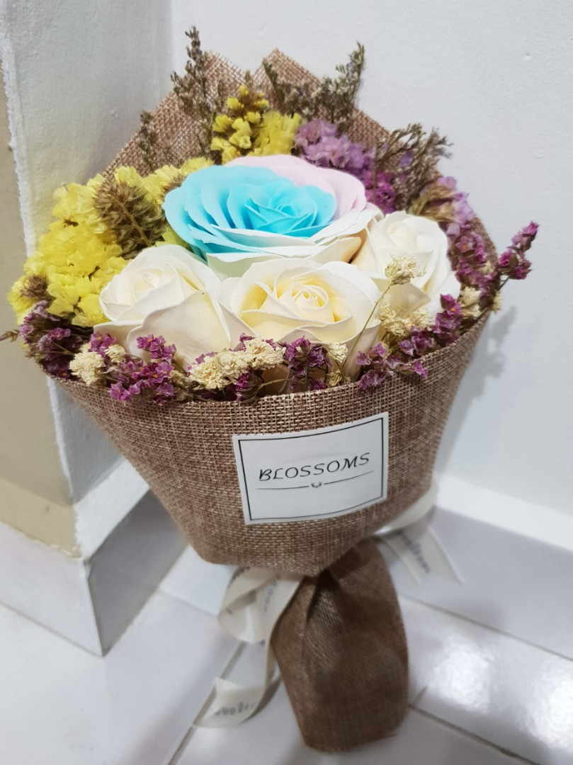 Rose vintage bouquet payday30 design craft others on carousell photo photo photo izmirmasajfo