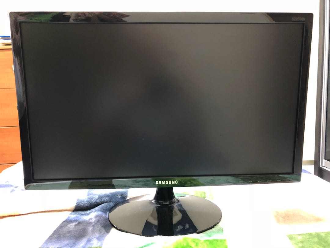Samsung 21.5 inch S22D300HY LED Monitor