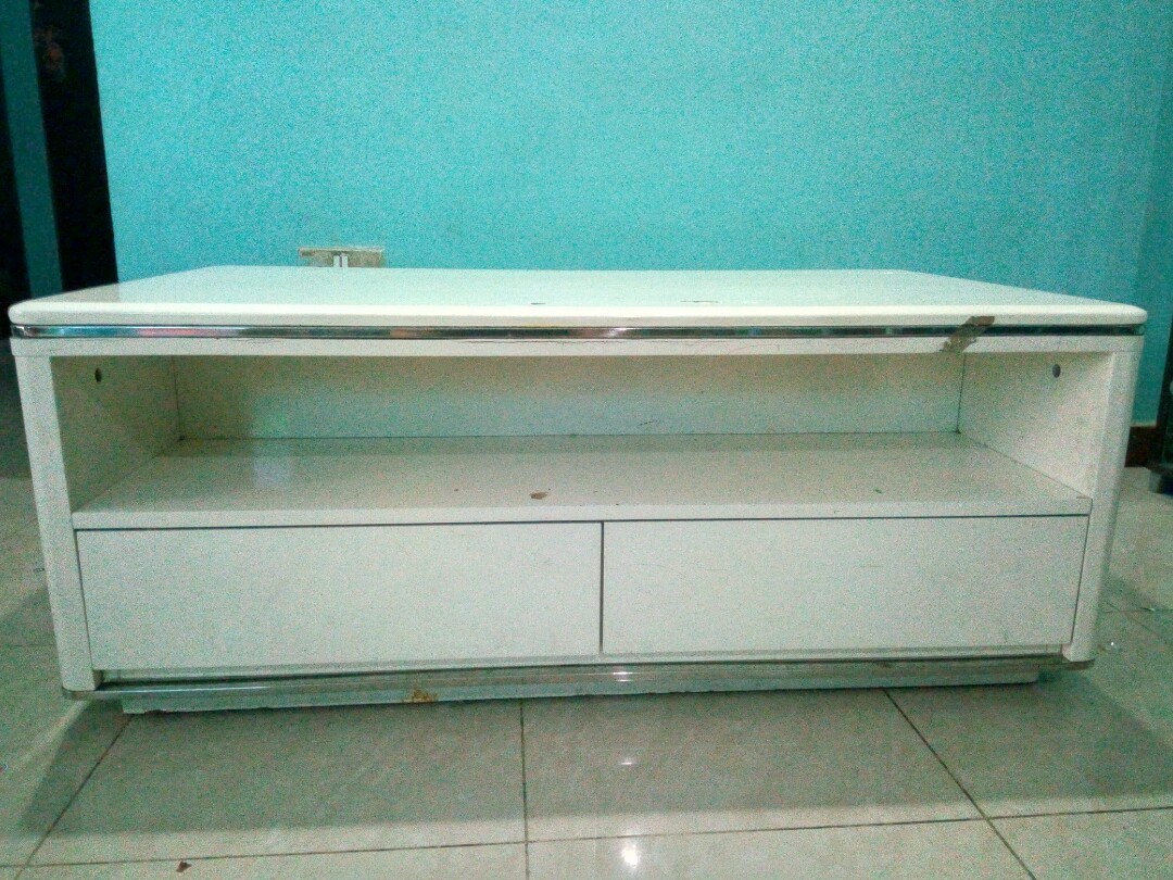 Solid White Colour Coffee Table