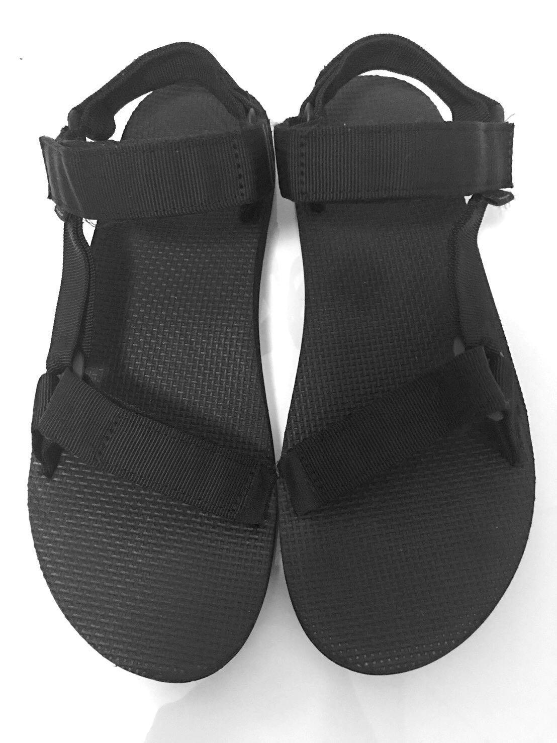 8854297c8 Teva Sandals (Black)