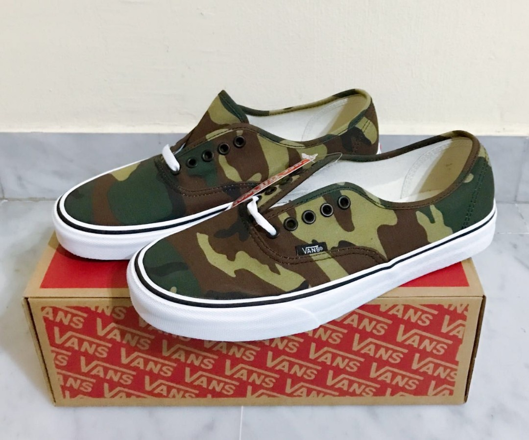 c30956ac68 Vans authentic camo us9. 5