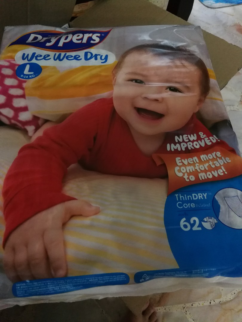 a434e4e32114 Wee Wee Dry Diapers L 62pcs