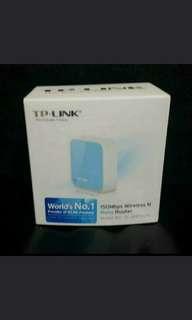 全新 TP-LINK 150mbps wireless n nano router 粉藍色又夠精緻啱晒旅行用