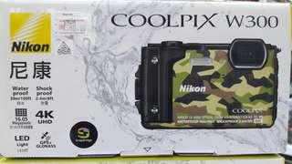 Nikon W300 Coolpix