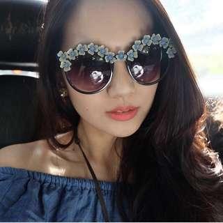 Fashion floral sunnies