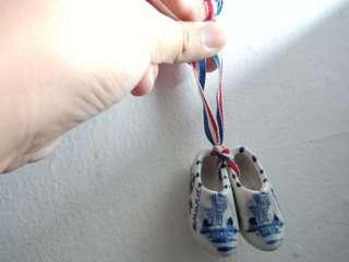 Gantungan sepatu kaca mini antik import belanda holland