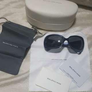Authentic brandnew Balenciaga sunnies eyewear shades sunglasses