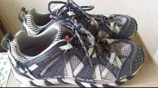 Merrell outdoor Shoes