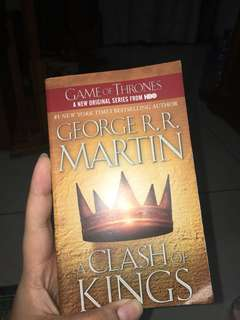 Game of Thrones book Two : a Clash of Kings