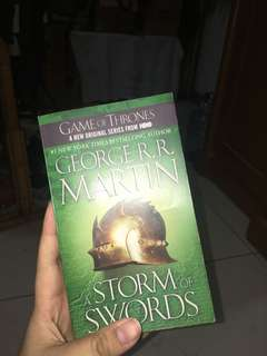 Game of Thrones book Three : a Storm of Swords