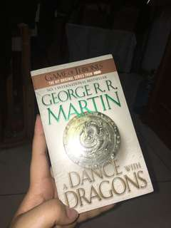 Game of Thrones book Five : a Dance wIth Dragons