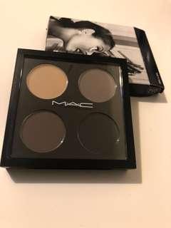 Brand new MAC Limited Edition eyeshadow palette